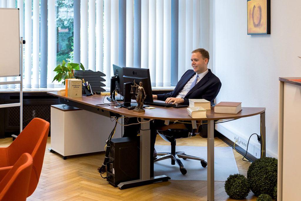 Steffen Hahn, Anwalt in Viersen