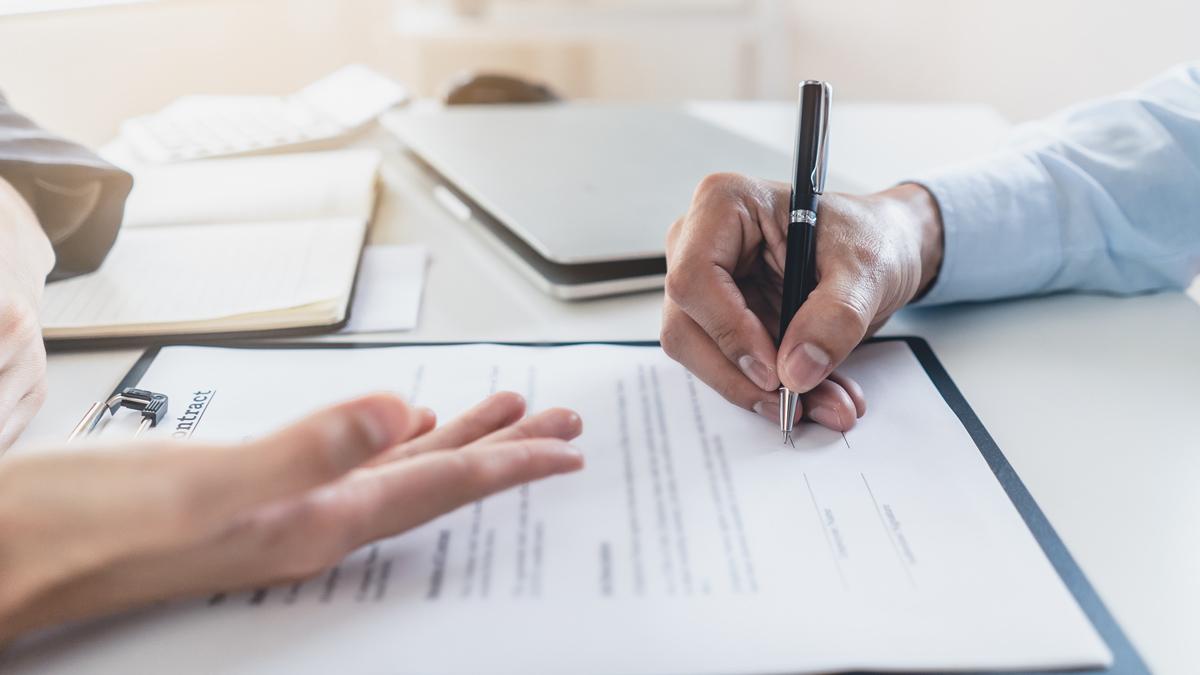 Wirtschaftrecht und Verträge - Anwalt Hahn in Viersen